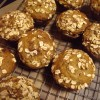 Zucchini banana muffins with brown sugar oat topping - only 190 calories per muffin!
